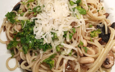 Spaghetti with mushrooms and white beans