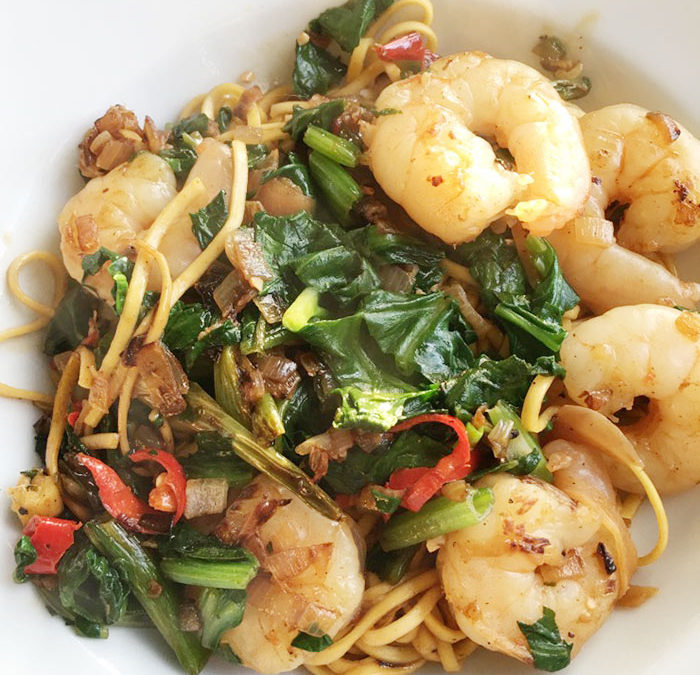 Vaguely Vietnamese noodles with prawns and spinach