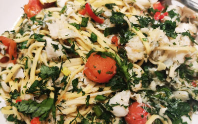 Crabmeat noodles with chili, garlic and herbs